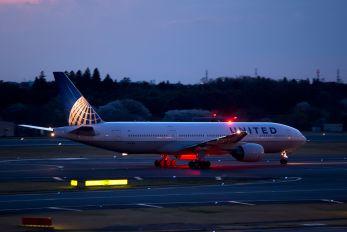 N223UA - United Airlines Boeing 777-200ER