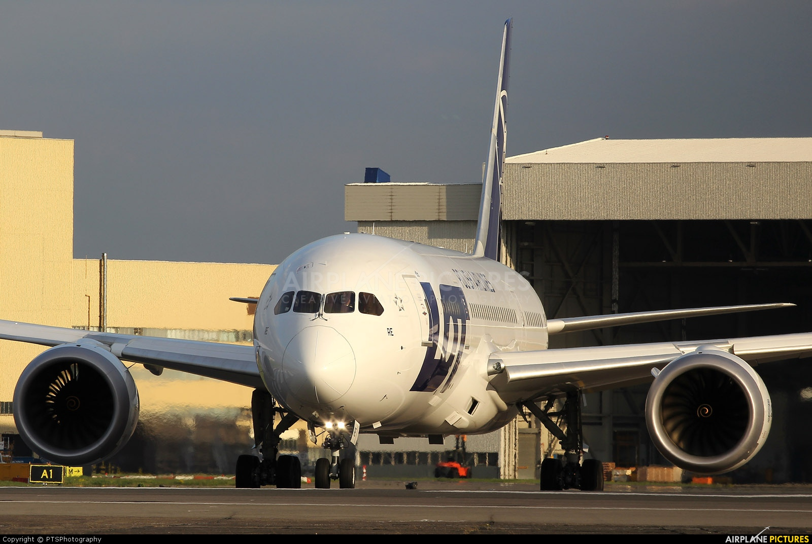 LOT - Polish Airlines SP-LRE aircraft at London - Heathrow