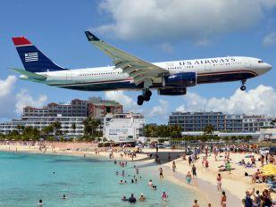 N290AY - US Airways Airbus A330-200