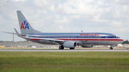 N829NN - American Airlines Boeing 737-800