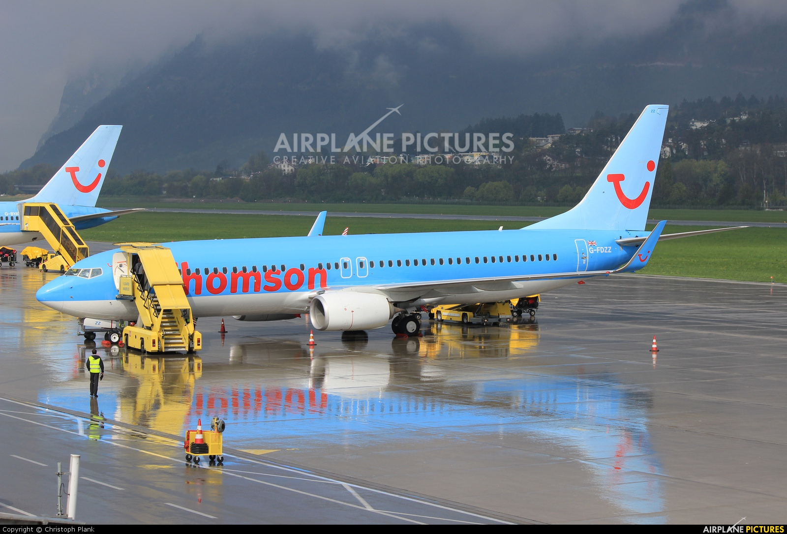 Thomson/Thomsonfly G-FDZZ aircraft at Innsbruck