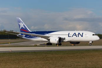 CC-BBE - LAN Airlines Boeing 787-8 Dreamliner