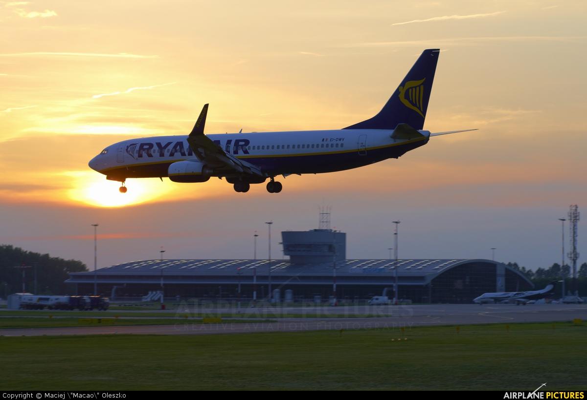 Ryanair EI-DWV aircraft at Łódź - Lublinek