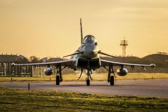 ZJ932 - Royal Air Force Eurofighter Typhoon F.2