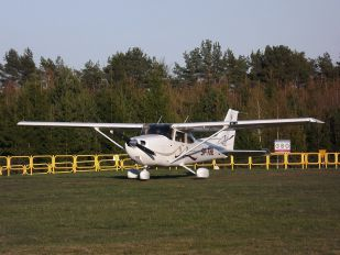 SP-THL - Private Cessna 172 Skyhawk (all models except RG)