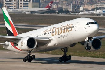 A6-EMF - Emirates Airlines Boeing 777-200