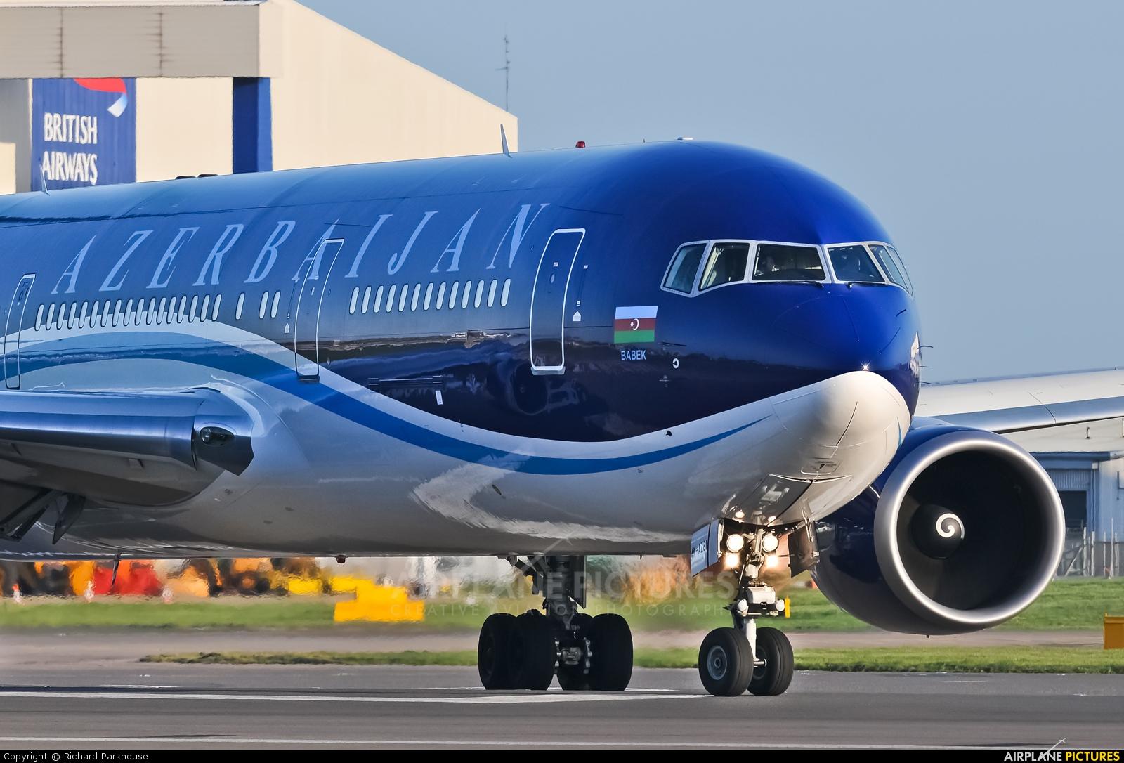 Azerbaijan Airlines 4K-AZ81 aircraft at London - Heathrow