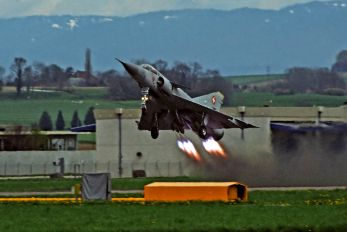 J-2327 - Switzerland - Air Force Dassault Mirage IIIS