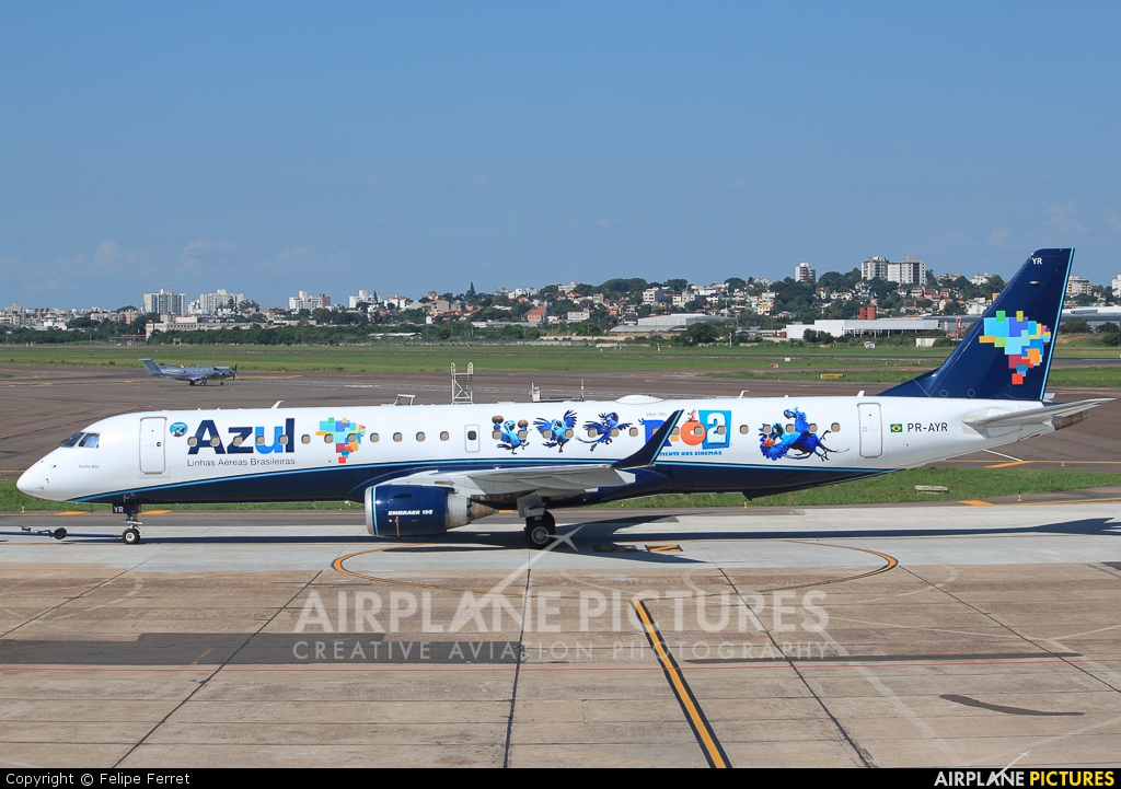 Azul Linhas Aéreas PR-AYR aircraft at Porto Alegre - Salgado Filho
