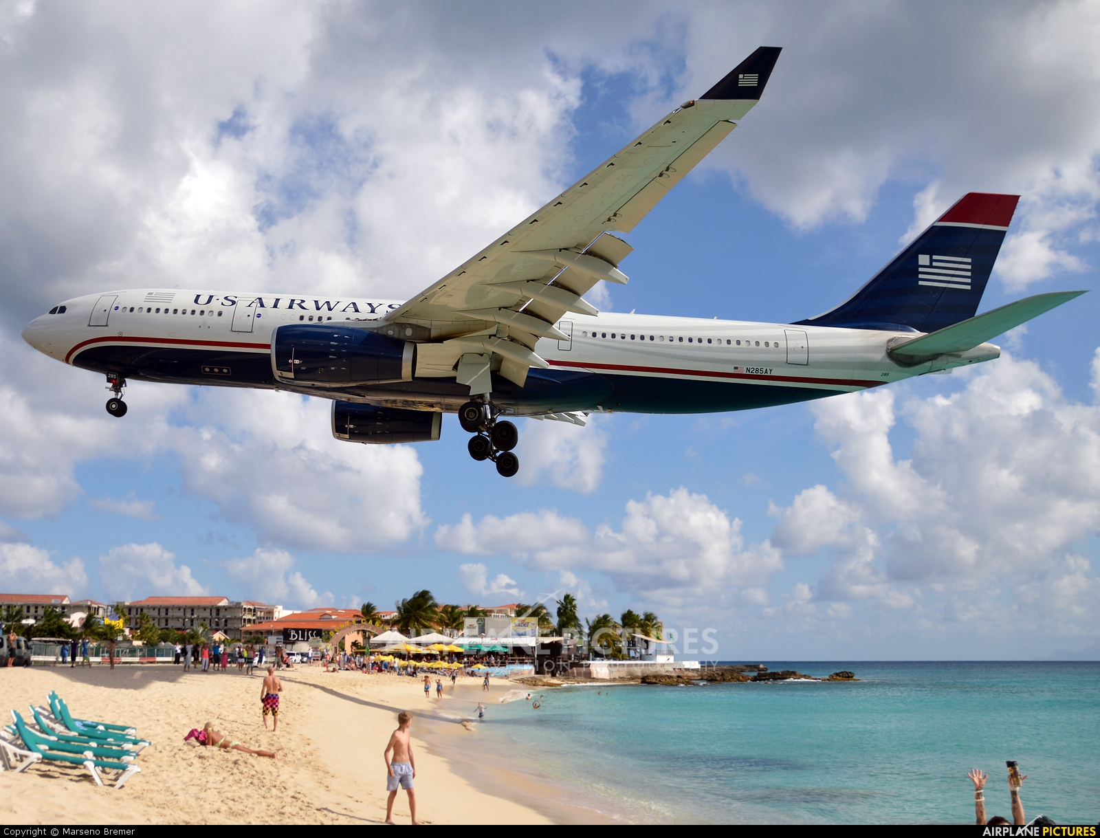 US Airways N285AY aircraft at Sint Maarten - Princess Juliana Intl