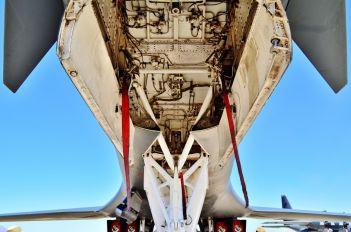 85-0073 - USA - Air Force Rockwell B-1B Lancer