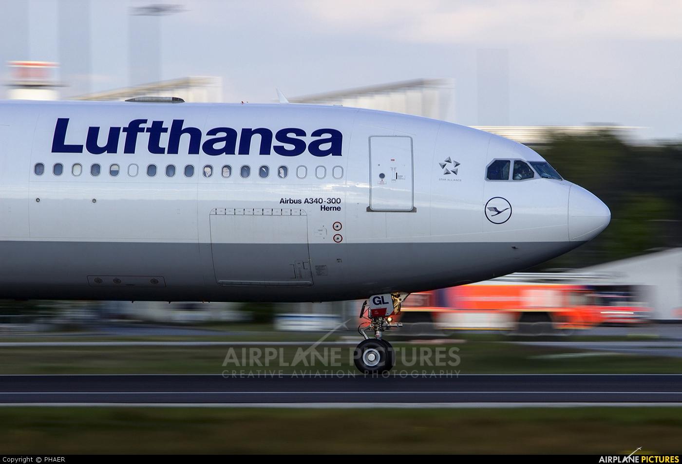 Lufthansa D-AIGL aircraft at Frankfurt