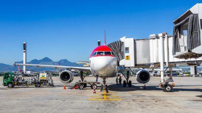 - - Avianca Brasil Airbus A318