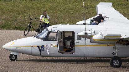 OO-GOA - Private Aero Commander 690
