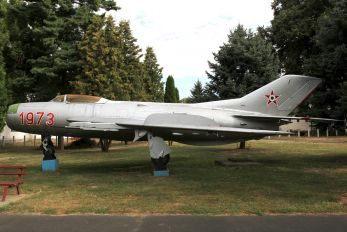 34 - Hungary - Air Force Mikoyan-Gurevich MiG-19PM