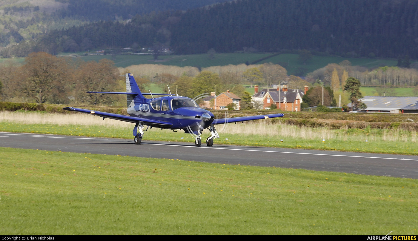 Private G-OECM aircraft at Welshpool