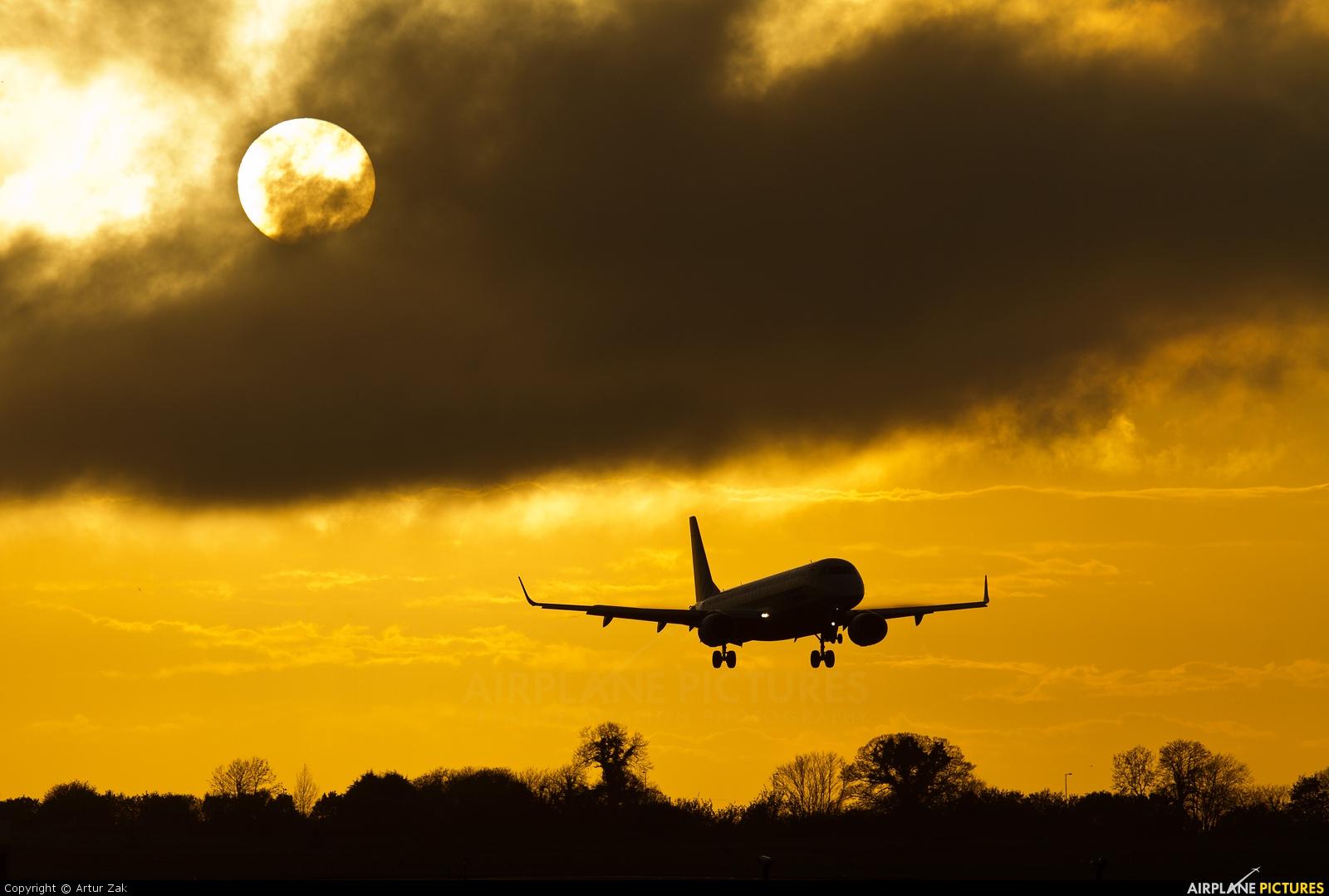 Flybe G-FBEM aircraft at Dublin