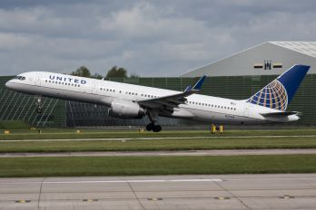 N29124 - United Airlines Boeing 757-200