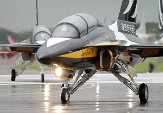 Korean Aerospace T-50 Golden Eagle Photos | Airplane-Pictures net