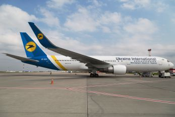 UR-GEB - Ukraine International Airlines Boeing 767-300ER