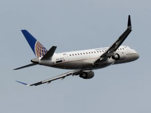 PR-EFC - United Express Embraer ERJ-175 (170-200)