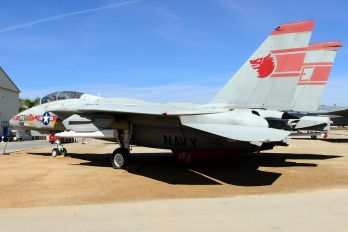 157990 - USA - Navy Grumman F-14 Tomcat