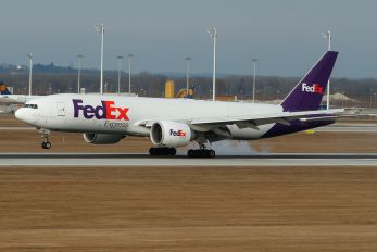 N880FD - FedEx Federal Express Boeing 777F
