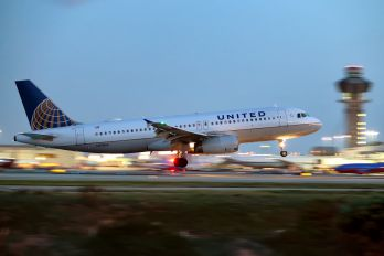 N411UA - United Airlines Airbus A320