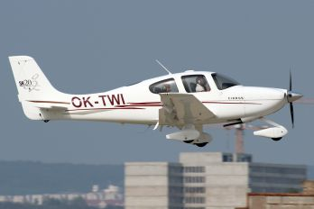 OK-TWI - Private Cirrus SR20