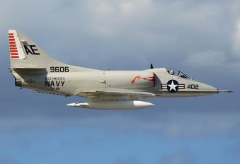 NX2262Z - Private Douglas A-4 Skyhawk (all models)