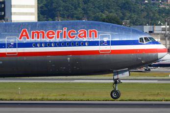 N795AN - American Airlines Boeing 777-200ER