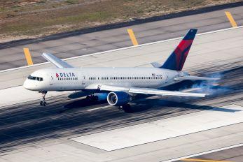 N671DN - Delta Air Lines Boeing 757-200