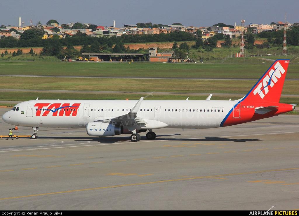 TAM PT-MXM aircraft at São Paulo - Guarulhos