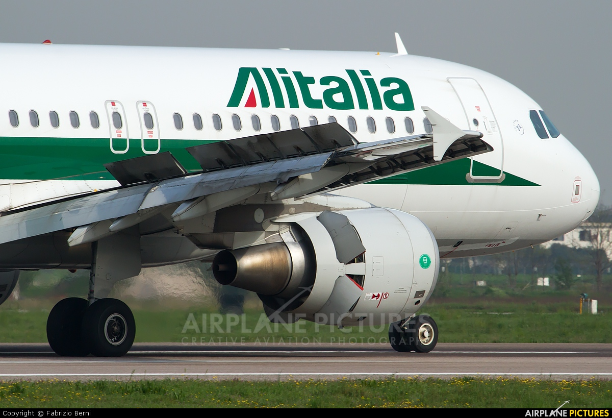 Alitalia EI-EIC aircraft at Verona - Villafranca