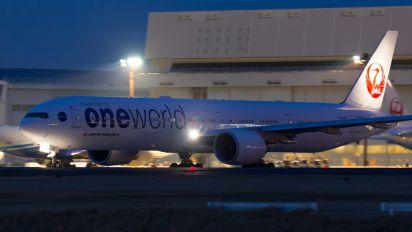 JA732J - ANA - All Nippon Airways Boeing 777-300ER