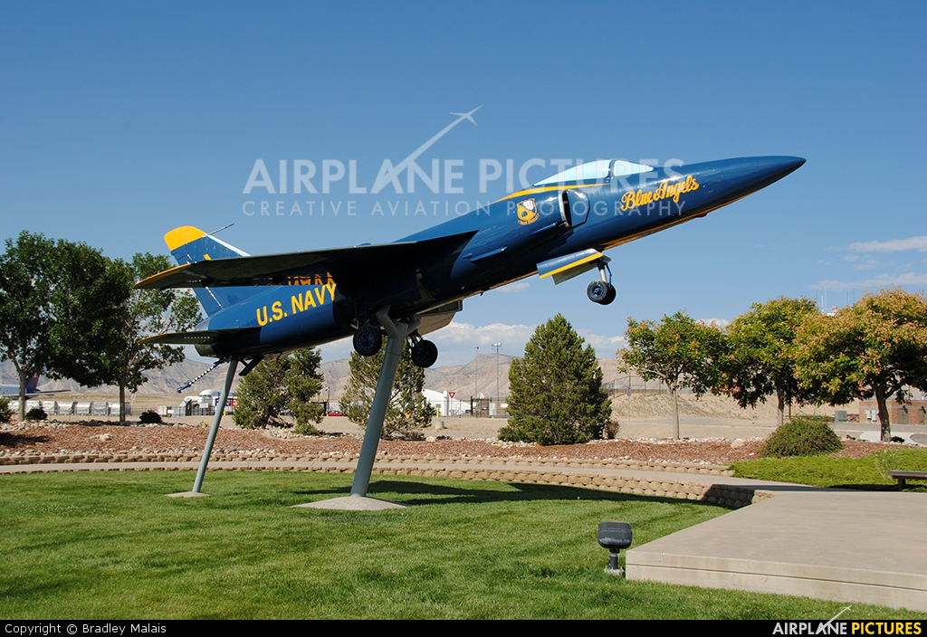 Wireline Field Operator Grand Junction Co: Navy : Blue Angels Grumman F-11F Tiger At