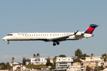 N693CA - Delta Connection Canadair CL-600 CRJ-900