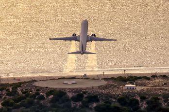 N818DA - Delta Air Lines Boeing 737-900