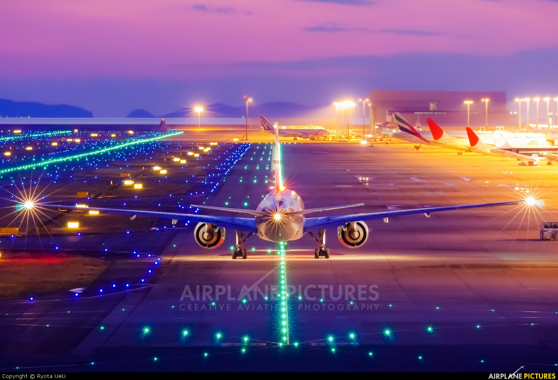 Qatar Airways A7-BAQ aircraft at Kansai Intl