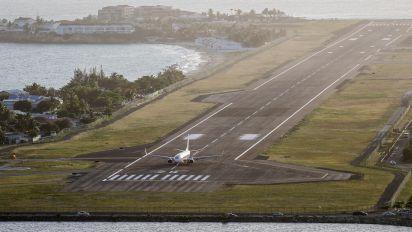 9Y-MBJ - Caribbean Airlines  Boeing 737-800