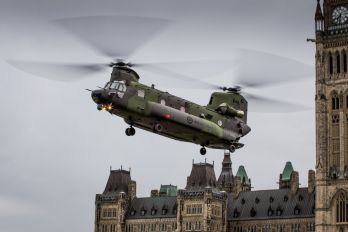 147310 - Canada - Air Force Boeing CH-147F Chinook