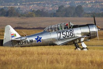 ZU-FLM - Private North American Harvard/Texan (AT-6, 16, SNJ series)
