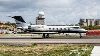 N721RL - Private Gulfstream Aerospace G-IV,  G-IV-SP, G-IV-X, G300, G350, G400, G450