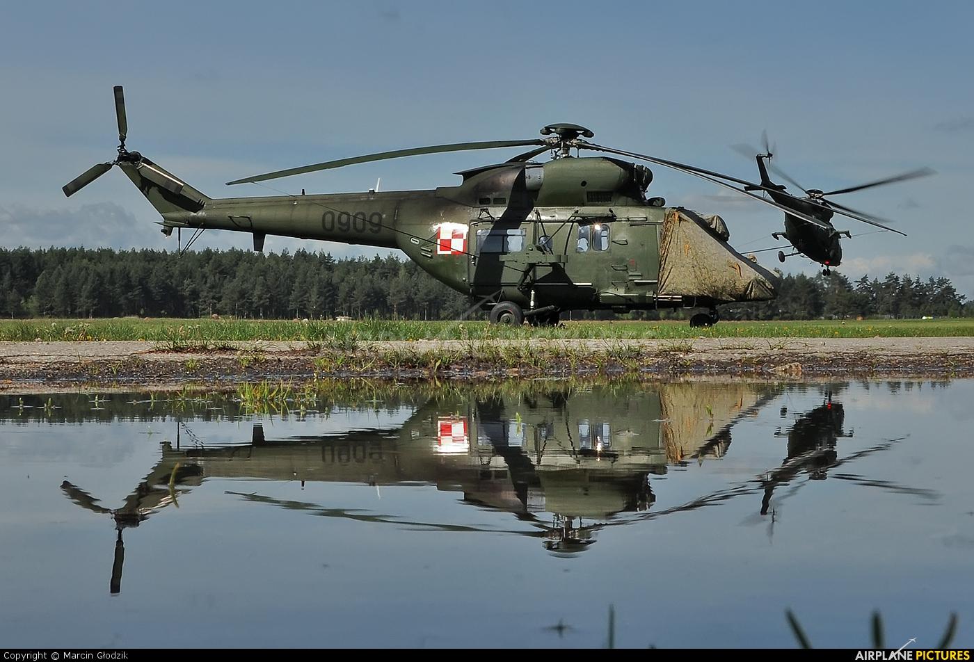 Poland - Army 0909 aircraft at Nowy Targ