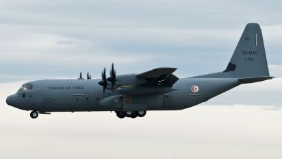 Z21121 - Tunisia - Air Force Lockheed C-130J Hercules