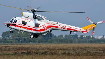 0916 - Poland - Air Force PZL W-3 Sokół