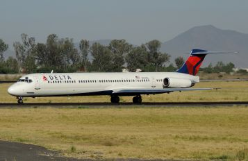 N958DL - Delta Air Lines McDonnell Douglas MD-88