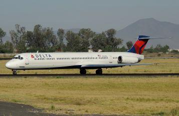 N958DL - Delta Air Lines McDonnell Douglas MD-88