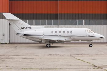 N250GM - Private Raytheon Hawker 800XP