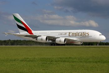 A6-EEV - Emirates Airlines Airbus A380
